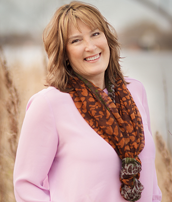 Tracy Nelson Maurer - Author headshot